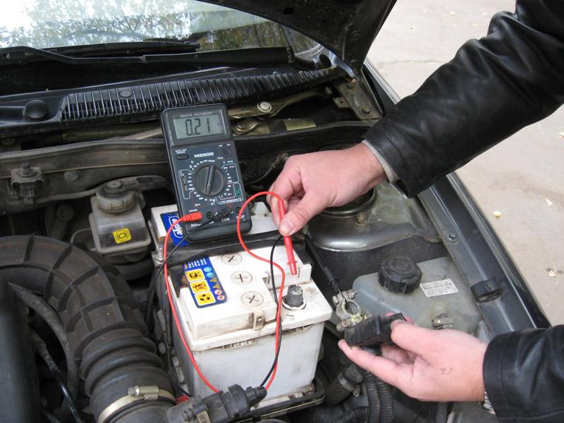 Как проверить наличие утечки тока без отключения аккумулятора