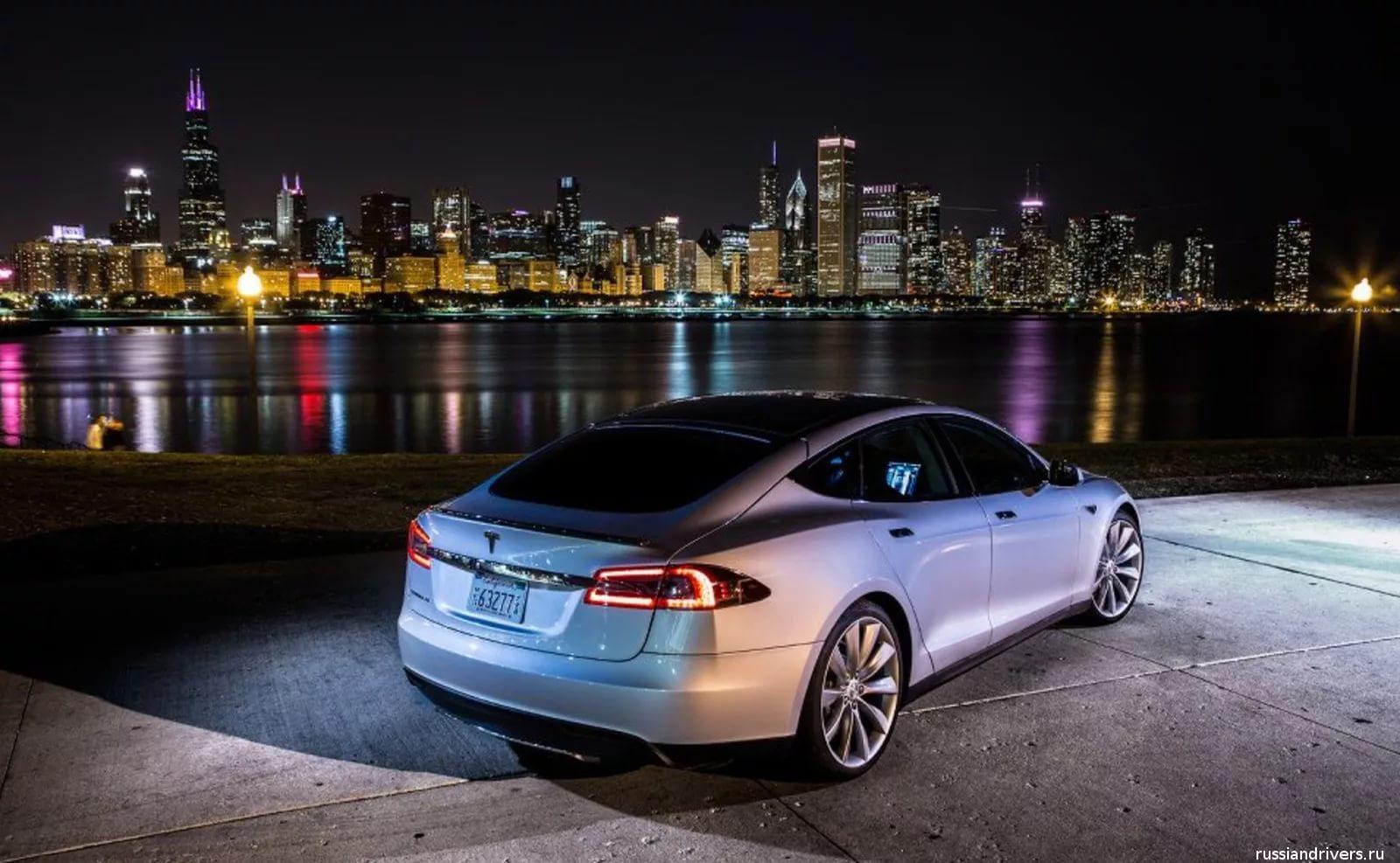 Автоматический обгон на Tesla Model S